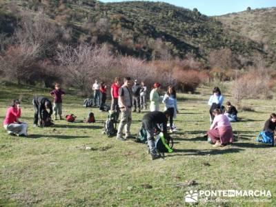 Preparandonos ascender Cancho de la Cabeza- Senda Genaro GR300 - madridsenderismo; puente san jose;